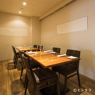 接待や会食に。10名までで利用できる完全個室