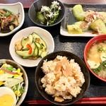 農村レストラン 筑膳 - 4月 筍ご飯