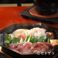 三嶋亭 - 五代目太郎氏が考案したコース料理は事前に要予約です