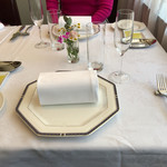 ブラッセリー ブルゴーニュ - ジバンシーの位置皿