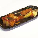 古老肉(酢豚)と白身魚のバジルチーズ挟みフライ