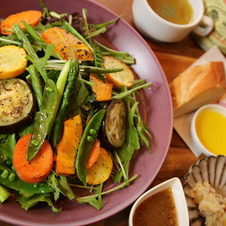 □■地産地消で新鮮な野菜を使用■□