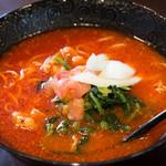 元祖トマトラーメンと辛麺とトマトもつ鍋 三味 - 料理写真: