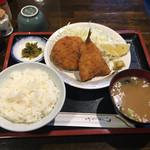 北海道ジンギスカン良夢 - メンチ&魚フライ700円