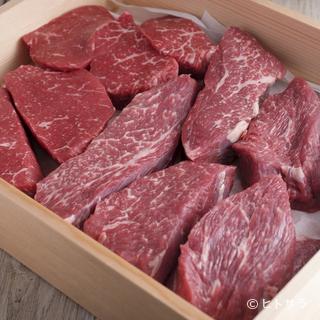 熊本の赤うしや福岡のむなかた牛など極上の赤身肉が勢ぞろい!