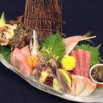 海鮮本陣 魚祭 - 本日のお造り