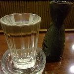 びっくり - 熱燗は「両関」250円