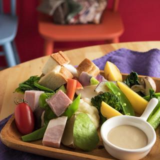 野菜・果物の旨みで調理。不必要なものはいれない。