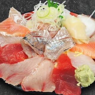 鮮度重視の豪快漁師料理のラインナップ!