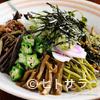 お食事処けやき - 料理写真:自家摘みの山菜をふんだんに使った『山菜そば(冷)』