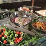 阪急トップ ビアガーデン - 生野菜の氷漬け セルフサラダコーナー