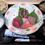 旬鮮屋 漁 - 本日の刺身定食 1000→500円