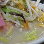 6622044 - 海鮮・肉の具が多くなった分、スープもウマさ割り増しです。