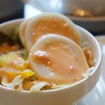 エピドルージュ - ゆで卵入りの野菜サラダ(2017.4.28)
