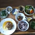 カフェ オル オル - 料理写真:ハンバーグ  たくさんの小鉢!