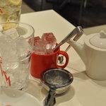 サロン・ド・テ ルミエル - アイスティー(アールグレイ) 指し湯、氷お替り自由