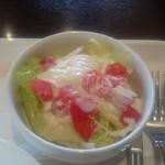 イタリアン・トマト カフェ - 新鮮なサラダ