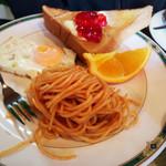 エヴァンス - トースト・目玉焼き・スパゲッティ