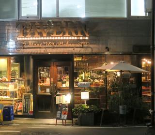 Meat & Bakery TAVERN - 左側がベーカリー