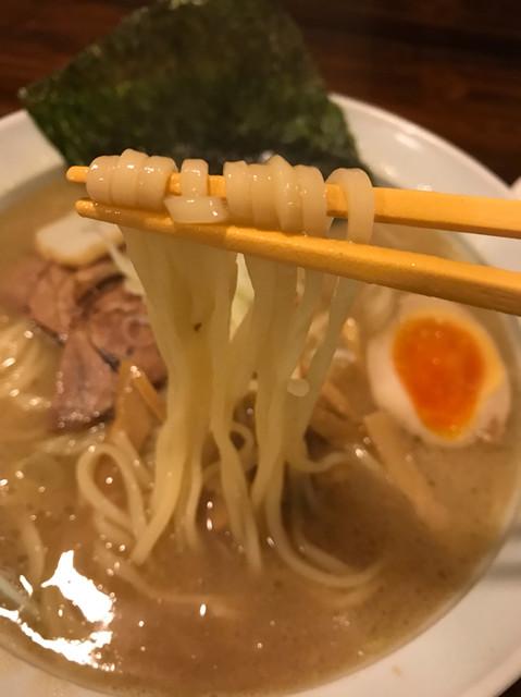 麺神 まるよし