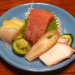農家レストラン 愚為庵 - お刺身 (マグロ、ヒラメ、タコ)