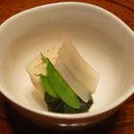 農家レストラン 愚為庵 - 炊き合わせ (タケノコ、ウド、絹さや、ワカメ)
