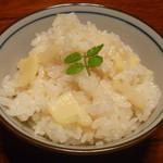 農家レストラン 愚為庵 - タケノコ御飯 (合鴨米)