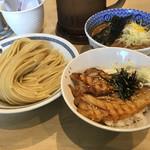 66237233 - つけ麺+ミニチャーシュー丼のセット(980円)