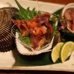 楽屋 - アカ貝の刺身