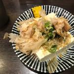 七津屋 - やっこ、キチンと薬味も付いてます。