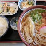 日向山 - 日向B定食(820円)