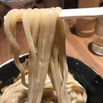 六厘舎 - 【2017.4.16】全粒粉を練り込んだ加水率高めの太麺。