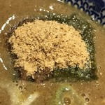 六厘舎 - 【2017.4.16】海苔の上に魚粉が乗る。