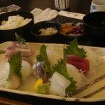 和食処天匠 - 刺身盛り定食