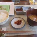 銀座栃木屋本店 - ご飯、味噌汁、香の物