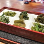 仙人小屋 - 山菜6品盛り