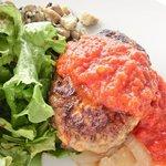 ツキ シュール ラメール - スペシャルランチ 1200円 のシェフ特製ハンバーグステーキ トマトソース