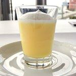 ツキ シュール ラメール - スペシャルランチ 1200円 のレモンのムース