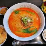 Opus One - 担々麺セット(950円)