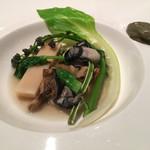 ミチノ・ル・トゥールビヨン - サザエと牡蠣のポトフ仕立て