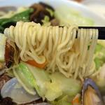 龍祥軒 - あさりそばの麺