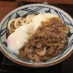 丸亀製麺 - 牛とろ玉うどん並690円