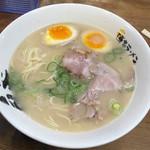 博多ラーメン 膳 天神メディアモール店 - おいしいラーメン 煮卵TP  380円