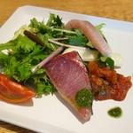紬山荘 - 前菜     ブリの新鮮さに驚き!!
