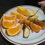 屋久島フルーツガーデン - 休憩所で出たフルーツ