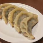中華彩館 剣心 - 蒸し焼き餃子