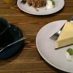 66275361 - NYチーズケーキ、サラサブレンドコーヒー