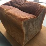 66277369 - 湯種もっちり食パン