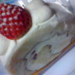 ロールケーキ専門店 偃路 - いちご