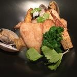 66281983 - 季節の魚とホワイトアスパラガス アサリのソース